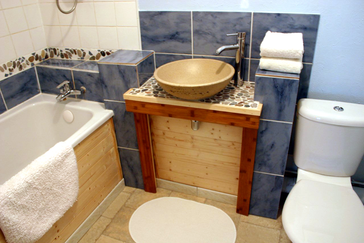 Dauphiné Bathroom