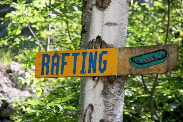 rafting-sign