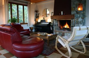 Lauvitel Lodge - Log Fire