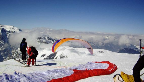 Winter Activities - Paragliding